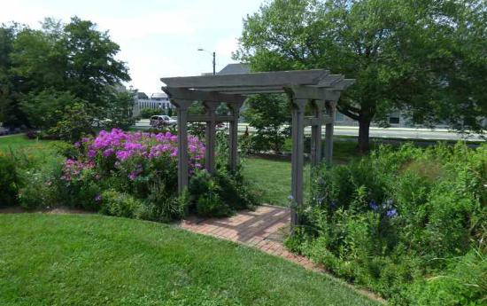 Hahn Horticulture Garden At Virginia Tech: Garden Arbor