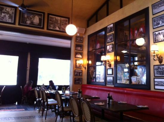 Remo's Originale: restaurante com vista para a lojinha