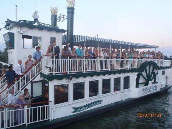 Holland Princess Dinner Cruises: Dinner Cruises Lake Macatawa to Lake Michigan