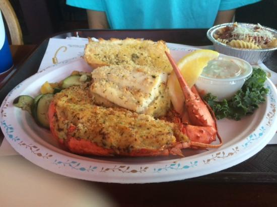 Little Jacks's Seafood Restaurant and Lobster Pool: Half lobster, Half Broiled Fish