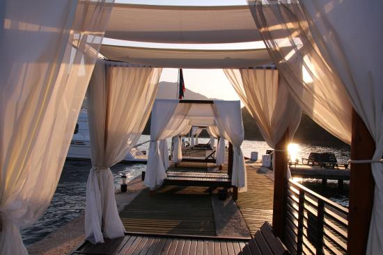 Marmaris Imperial Hotel: Cabanas by the jetty