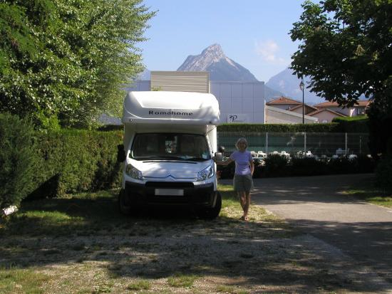 Seyssins, Frankrike: Campsite with mountain views
