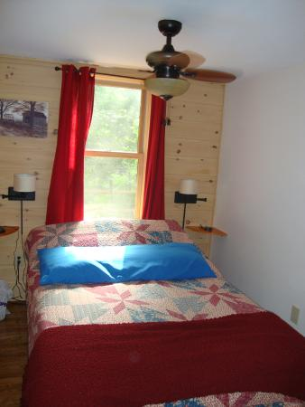 Mount Tabor, VT: downstairs bedroom