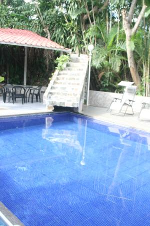 Alajuela, Costa Rica: Pool with non-working fountain