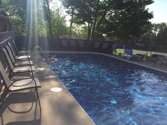 Motel & Camping Etchemin: Nice pool