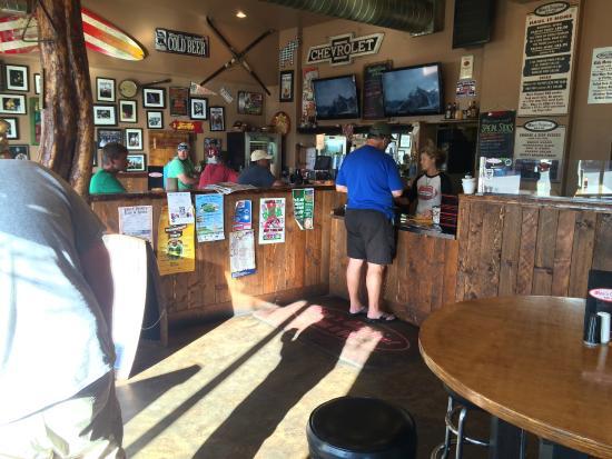 Moe's Original Bar B Que: Inside