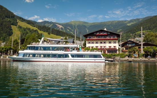 Hotel Seehof: Boat tour around lake