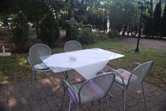 Landhaus Hechtsberg: Your table awaits...