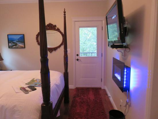 Mt. Woodside Bed & Breakfast: Interior of the room