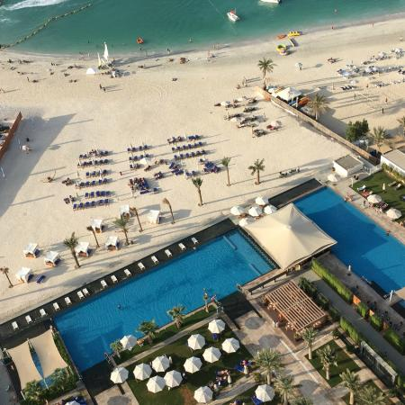 Swimming pool view from room kuva doubletree by - Jumeirah beach hotel swimming pool ...
