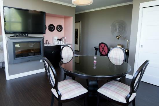Ingersoll, Καναδάς: Pink Suite - 317