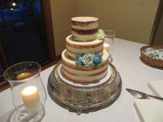 Wedding Cake Picture Of Angel Food Bakery Coffee Bar