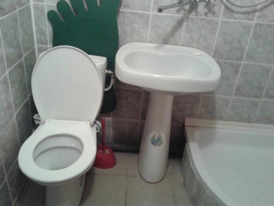 Tourist Hotel Mykolaiv: ванная комната