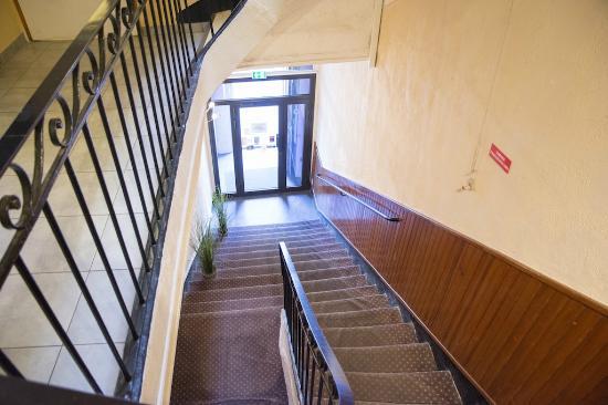 Hôtel Lutia : staircase