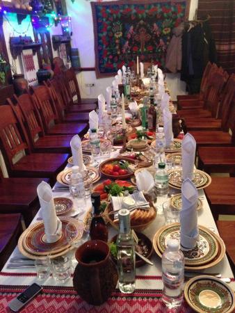 Ukrainskaya restoratsiya Kozatska Gramota