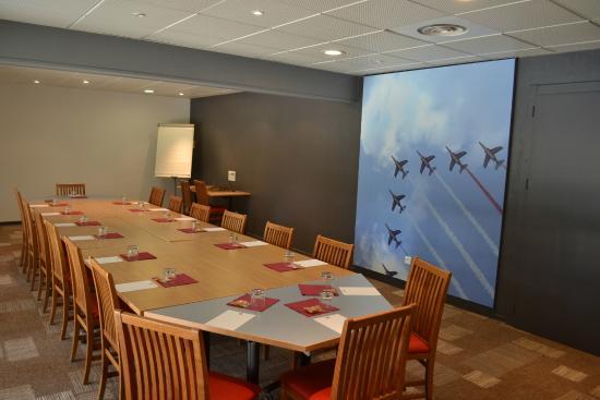 Ibis Salon de Provence : salle séminaire