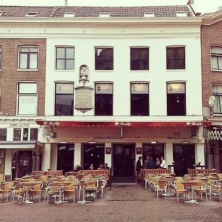 Photo of Bar Cafe Studio at Grote Markt 25, Haarlem 2011 RC, Netherlands