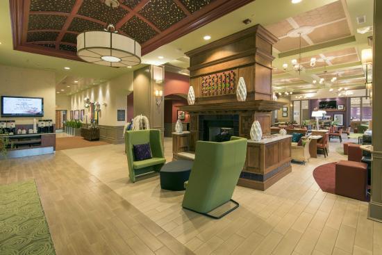 Hampton Inn & Suites Raleigh-Durham Airport-Brier Creek: Renovated lobby