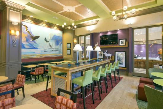 Hampton Inn & Suites Raleigh-Durham Airport-Brier Creek : Renovated lobby