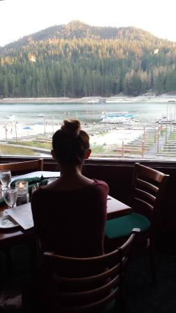 Ducey's on the Lake : Seat by the window