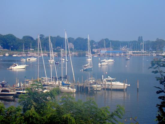 Dering Harbor Inn: early morning mist - harbor view