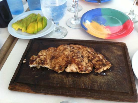 Pechugas de pollo a la plancha y aguacate al limon - Pechugas de pollo al limon ...