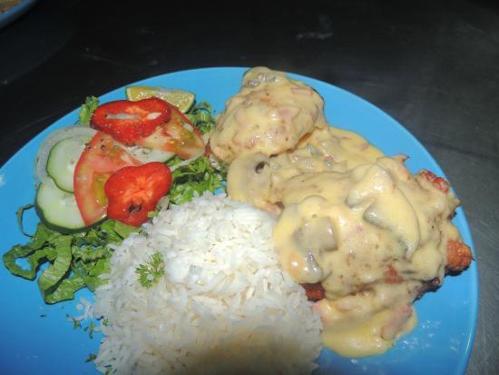 Cafeteria Monka: Pescado en salsa blanca