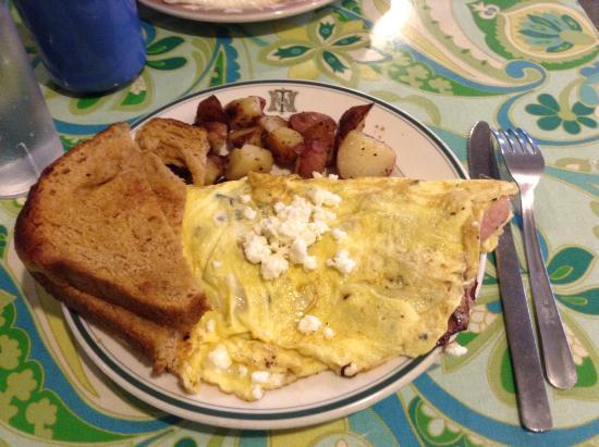 Starlight Cafe: Feta, onion, and ham omelet - 3 egg size.