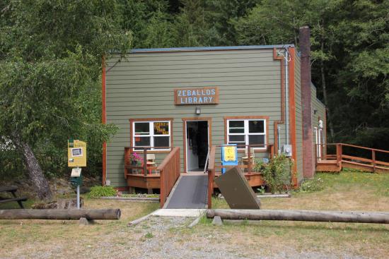 Cedars Inn: örtliche Bibliothek