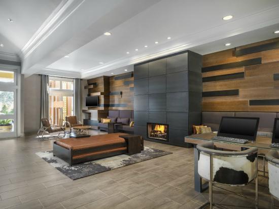 Four Points by Sheraton San Rafael: Guest Lobby