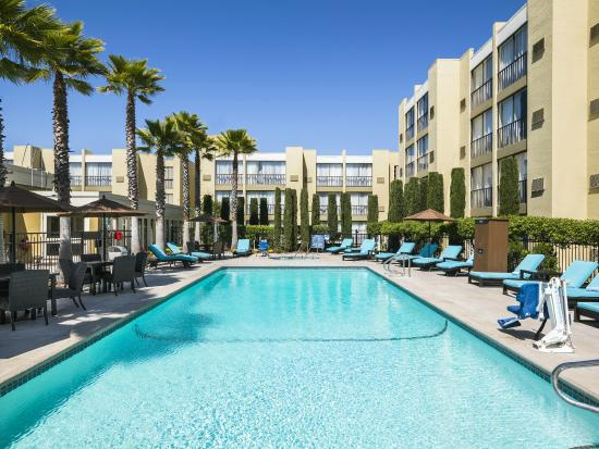 Four Points by Sheraton San Rafael: Outdoor Pool Area