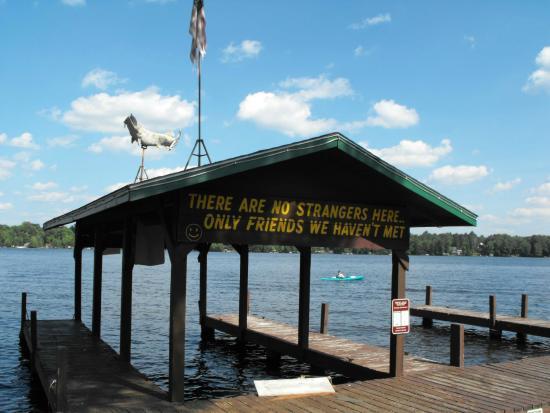 Hiawatha Lodge Inn: Duck Lake