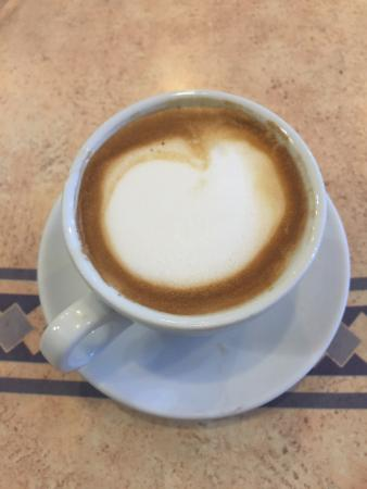 Gourmet Bakery Cafe: Delicious latte!