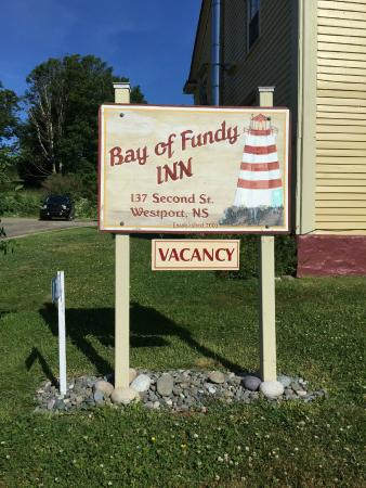 Bay of Fundy Inn: Lovely old fashioned inn on Brier Island, Nova Scotia