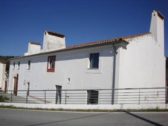 ‪O Núcleo Rural no Reguengo do Museu Municipal de Portalegre‬
