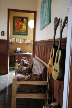 Pousada Casa Áurea Boutique: Homey hallway