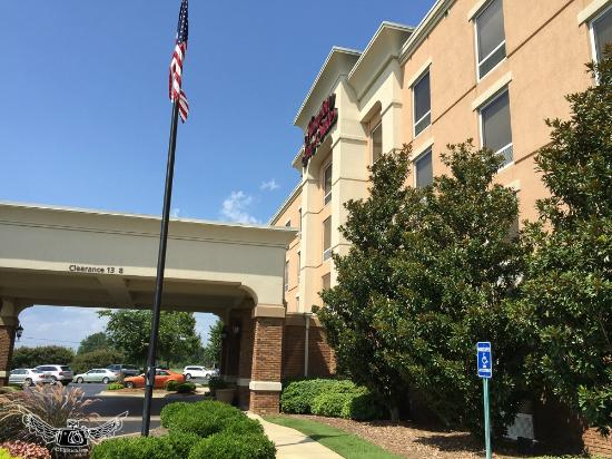 Hampton Inn & Suites Montgomery-East Chase: outside