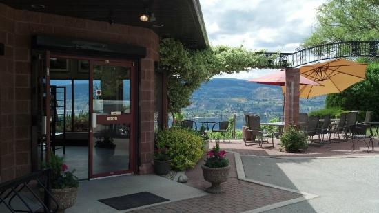 Naramata, Canada: Entrance to our wines-shop