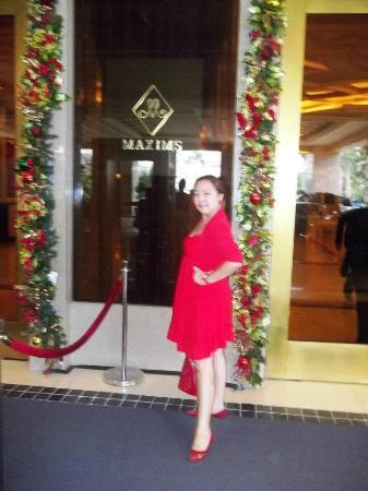 Maxims Hotel - Resorts World Manila: ME AT MAXIMS HOTEL
