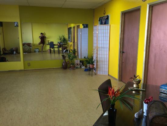 dance and yoga studio at Petri