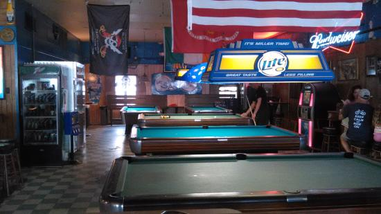 Royal James Cafe : The pool table area