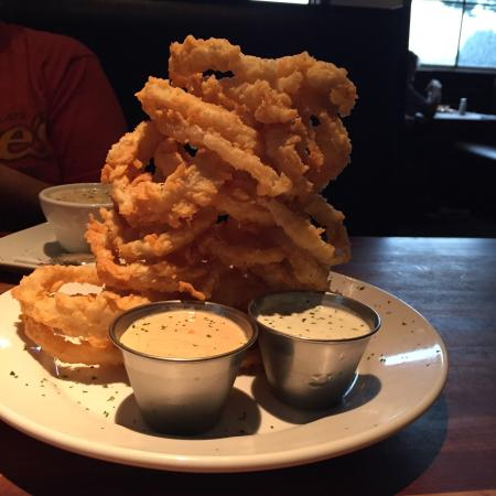 Beer battered onion rings amazingly delicious for Fish daddy s