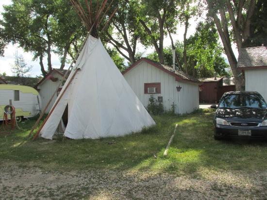 Tipi exterior mountain view motel and for Mt vista cabina e motel