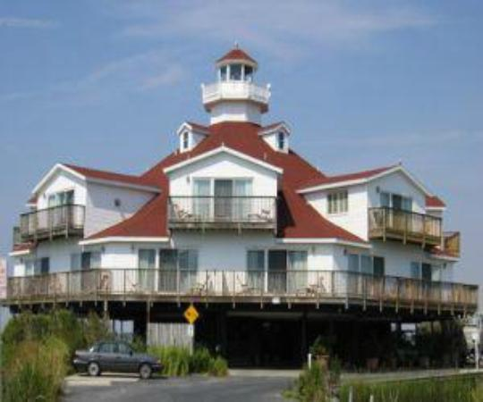 Lighthouse Club Hotel an Inn at Fager's Island: Outside View