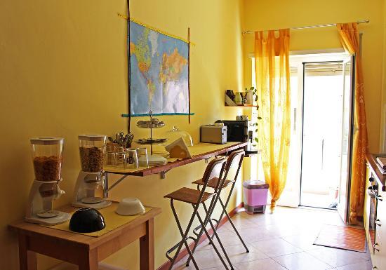 B&B Zen Trastevere: The kitchen