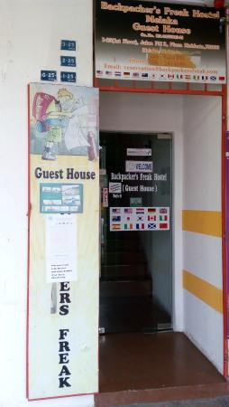 Backpacker's Freak Hostel: Entrance