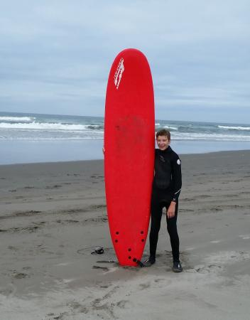Seaview, WA: Learning to surf with Skookum