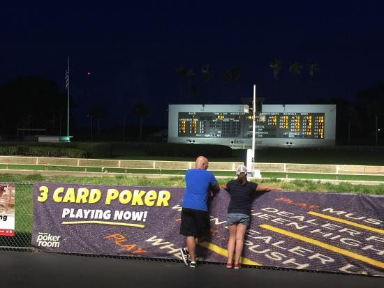 Derby lane poker room st pete