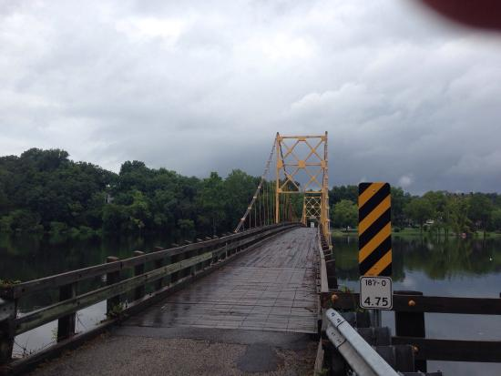 Beaver, AR: The Little Golden Gate in flood stage
