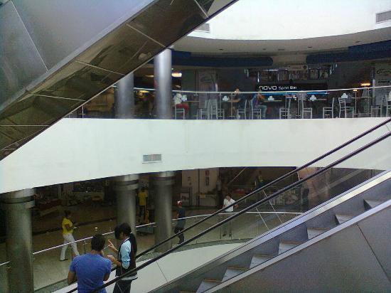 Las Colinas Mall